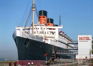 Hotel_Queen_Mary,_Long_Beach_01