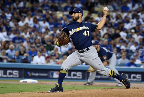 Gio-Gonzalez-Brewers-pitcher-nlcs-2018-revised